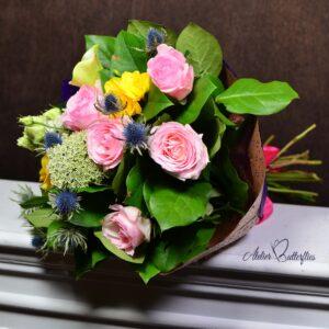 Buchet cu trandafiri şi soc