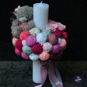 Lumânare de botez roz din ghemuri pentru fată
