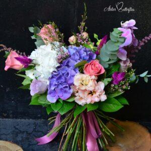 Buchet cu hortensie, orhidee şi phalaenopsis