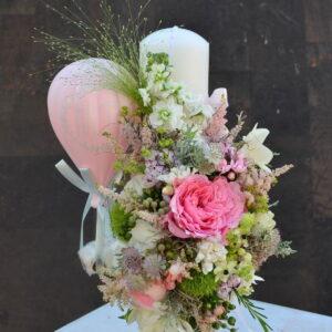 Lumânare de botez cu flori naturale şi balon
