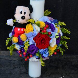 Lumânare de botez cu flori naturale şi jucărie Mickey Mouse